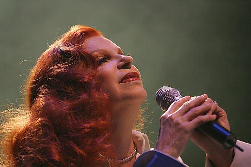 """Почина Милва, пејачката која го отпеа хитот """"Бела чао"""" - Добредојдовте нa Радио KISS FM Македонија - ShoutCast.mk"""