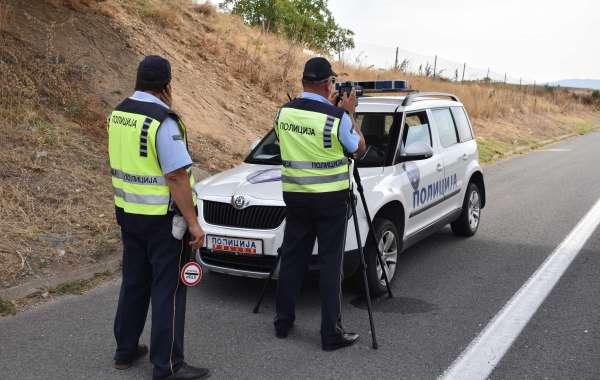 За три пати намален бројот на жртви во сообраќајки во август, продолжуваат засилените контроли